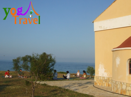 Yoga-Travel-Corfu-joga-obala