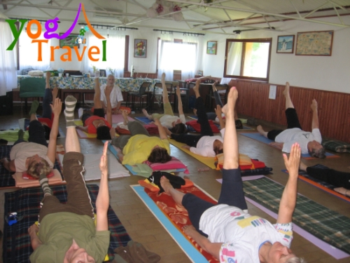 Yoga-Travel-Monostor-juni-2008-Sala