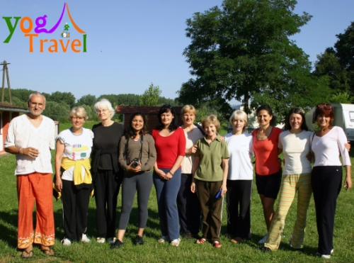 Yoga-Travel-Monostor-juni-2008-grupa